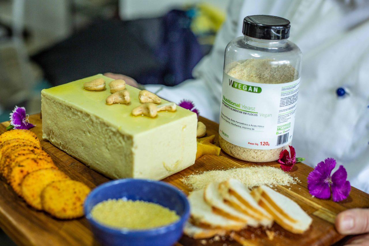 Queijo Vegano com Nutritional Yeast