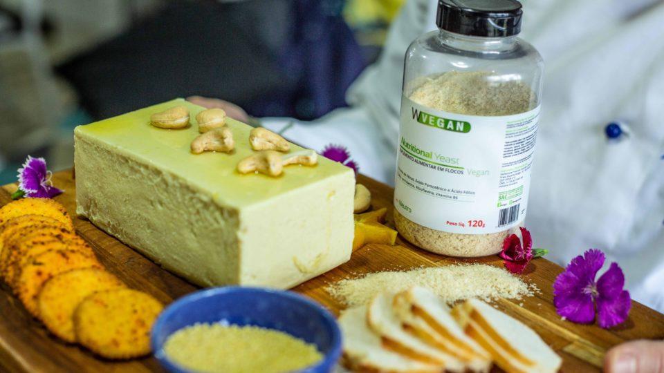Queizo de castanhas com Nutritional Yeast